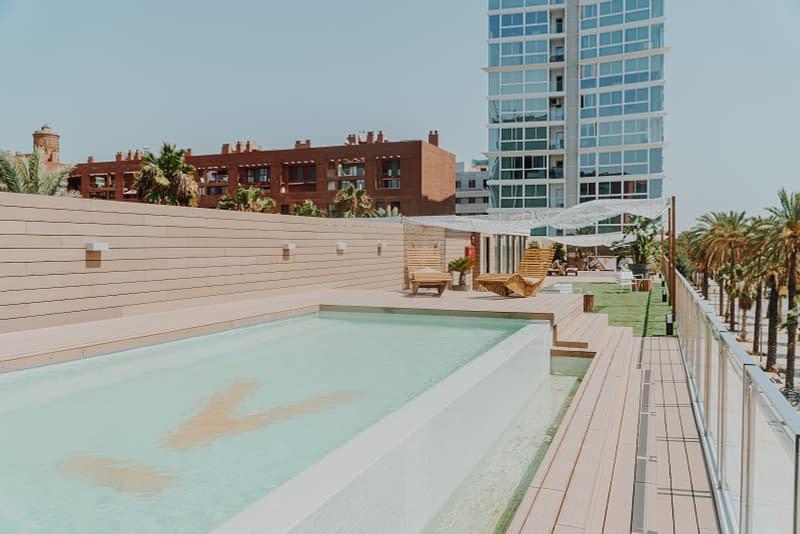 aticco-coworking-swimmingpool
